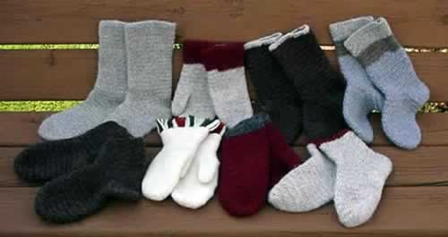 naalbound socks and mittens